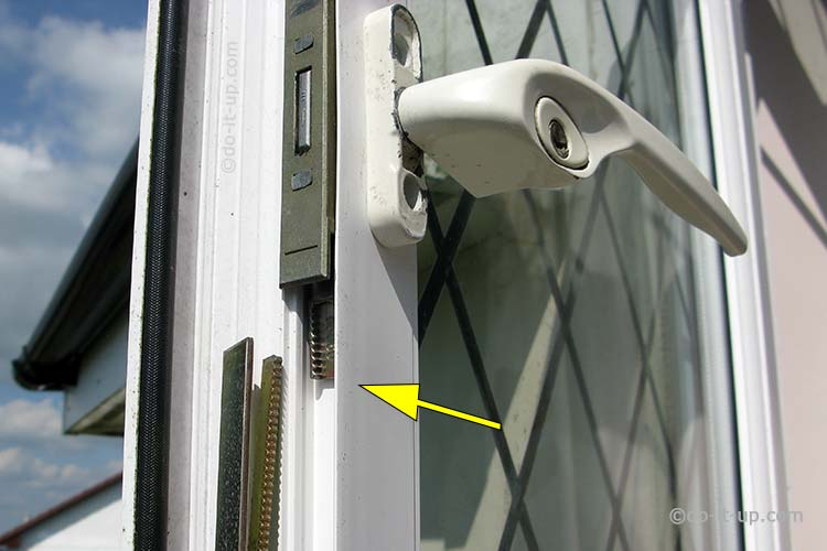 Jammed or Stuck uPVC Window - Gearbox Lock Mechanism and Shootbolt (Disconnected)