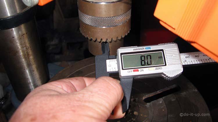16mm Pillar Drill Chuck - Measuring the Chuck Key Pilot Hole with a Caliper