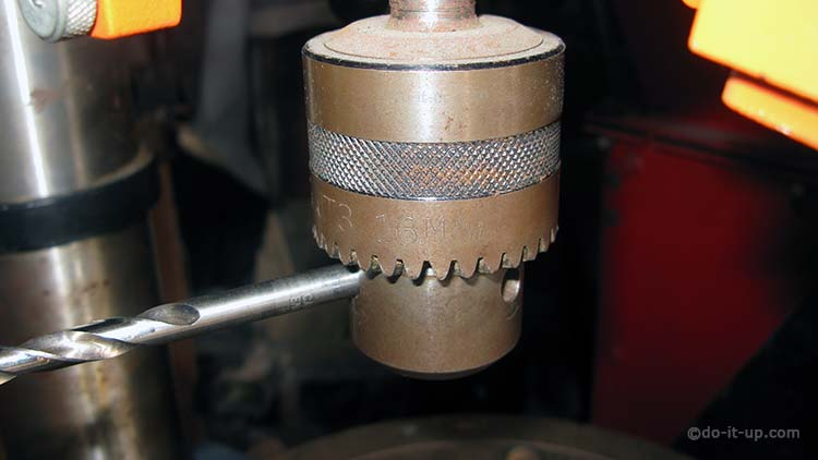 16mm Pillar Drill Chuck - Measuring the Chuck Key Pilot Hole with a Drill