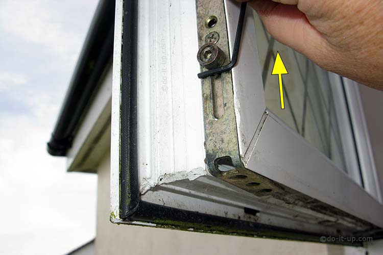 Jammed or Stuck uPVC Window - Move the shootbolt Roller Cam (Demonstration with the window open)