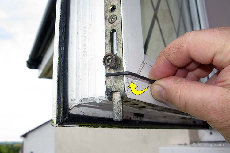 Jammed or Stuck uPVC Window - Turn the Opening Tool 90 Degrees (Demonstration with the window open)