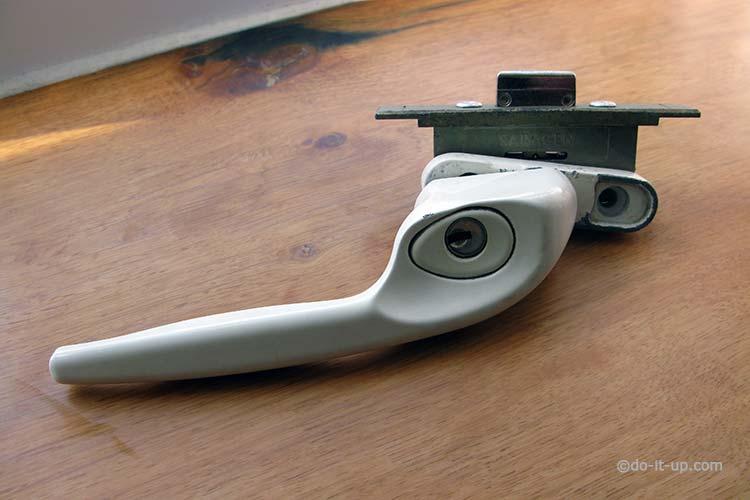 uPVC Window - Handle & Shootbolt Gearbox Lock