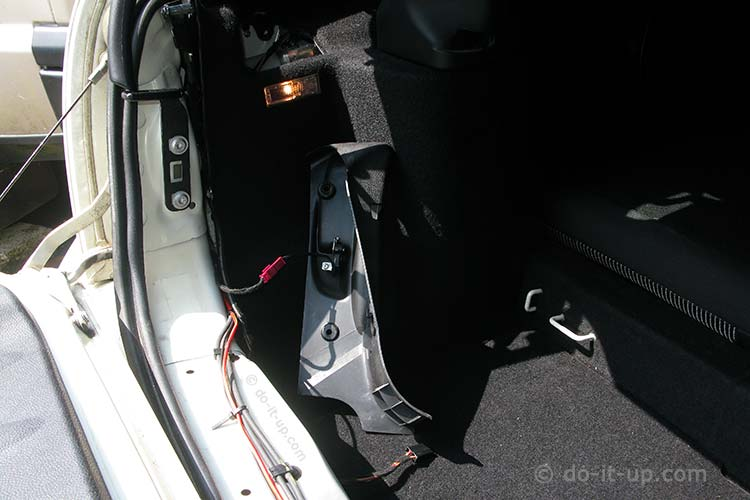 Removing the Boot Liner (Corner Panel Micro Switch)