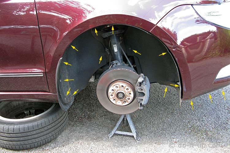 Skoda Superb Wheel Liner - Fixing Points (Front)