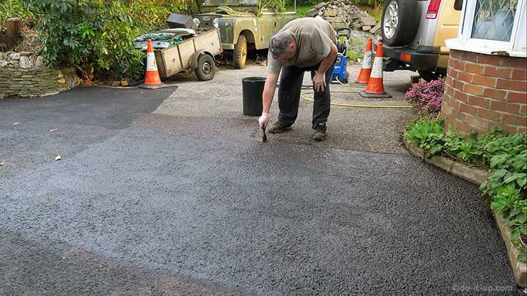 How to Repair a Driveway - Painting on Bitumen