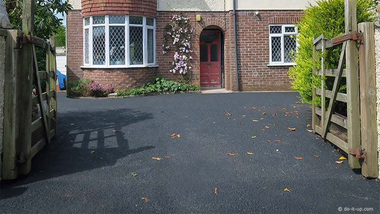 How to Repair a Driveway (Featured Image)