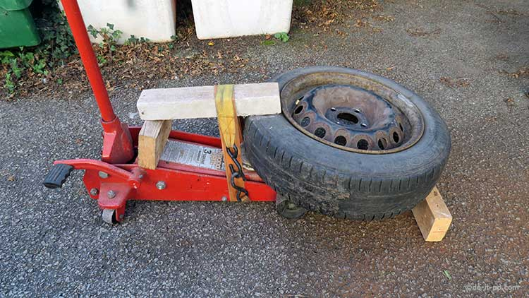 Breaking a Tyre Bead Using a Trolley Jack
