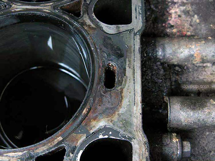 Head Gasket Repair - Check and Clean the Engine Block
