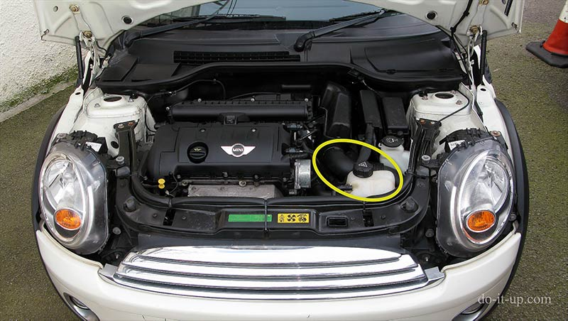 MINI Headlight Bolt Not Coming Out - Trying to Grab the Fixing from Behind